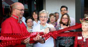 Ribbon cutting with Mayor