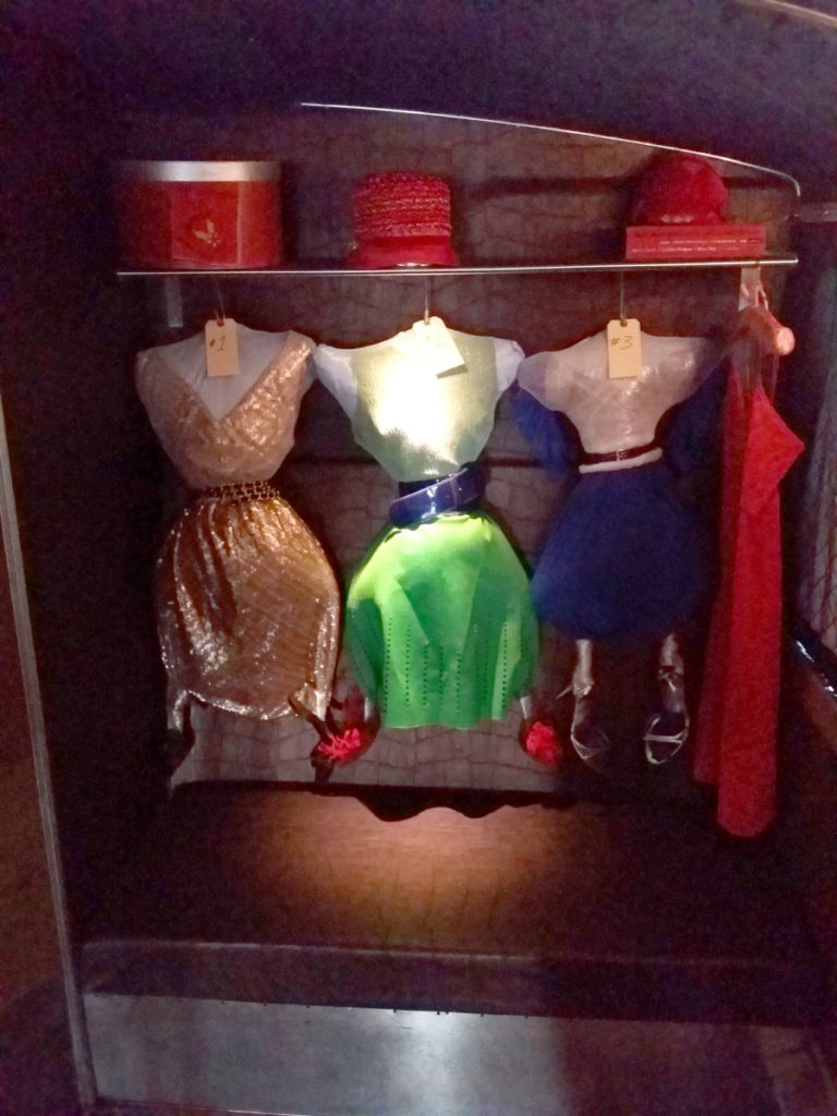 The Three Wives installation on the T.RUMP bus.